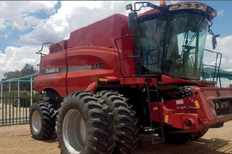 Case 6130 Combine Combine harvesters and harvesting equipment