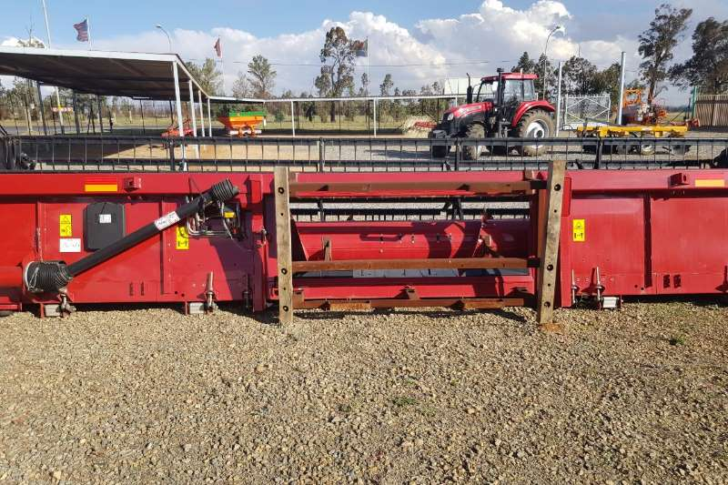 Case Case 3020 25ft Combine harvesters and harvesting equipment