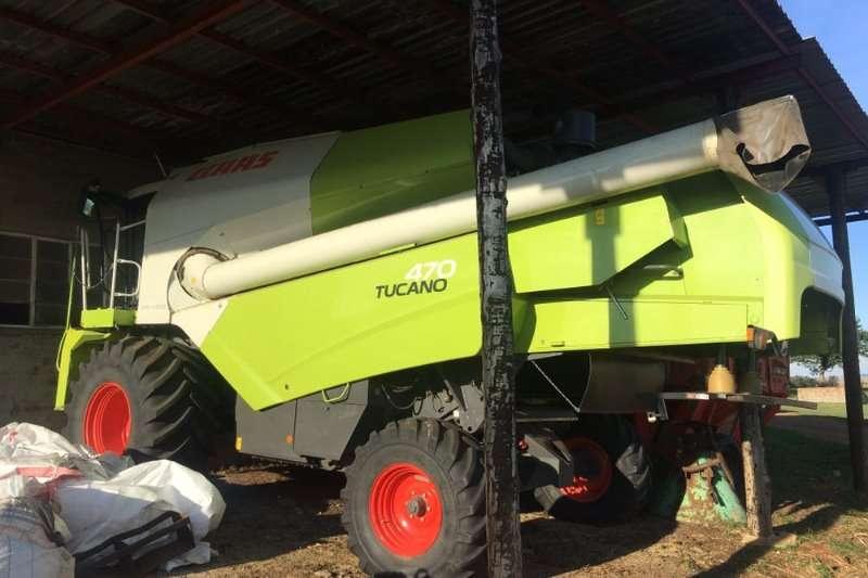 Claas Grain harvesters TUCANO 470 Combine harvesters and harvesting equipment