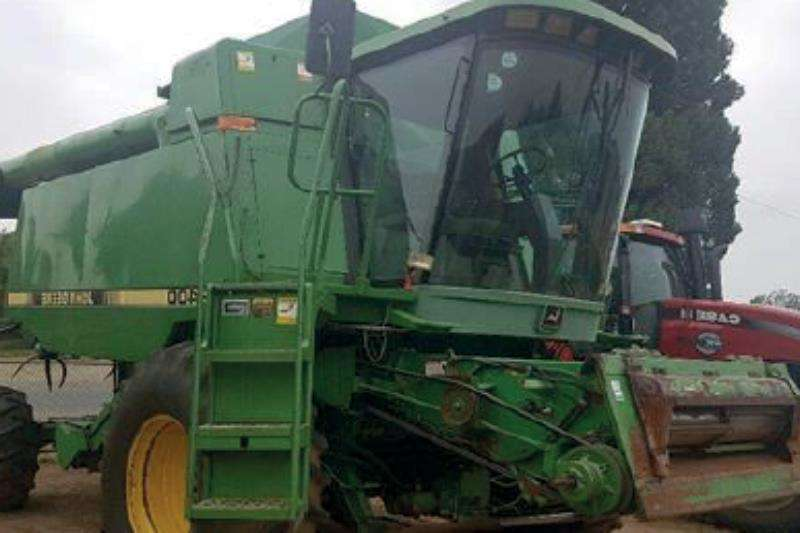 John Deere 9400 Combine harvesters and harvesting equipment