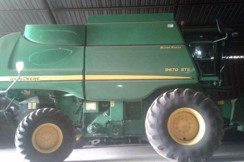 John Deere Grain harvesters John Deere 9670 Combine harvesters and harvesting equipment