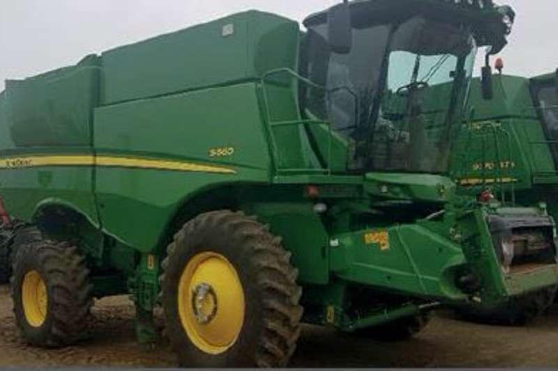 John Deere S 660 Duals Combine harvesters and harvesting equipment