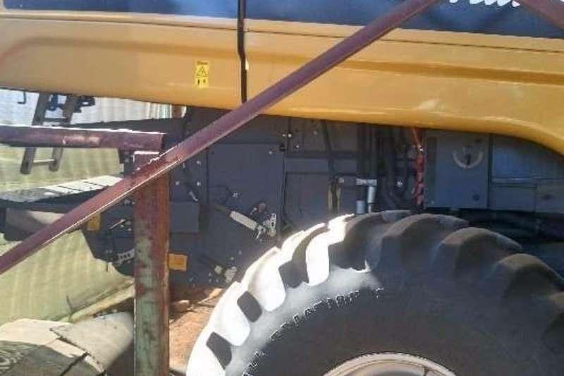 Massey Ferguson Grain harvesters 560 C Challenger Combine harvesters and harvesting equipment