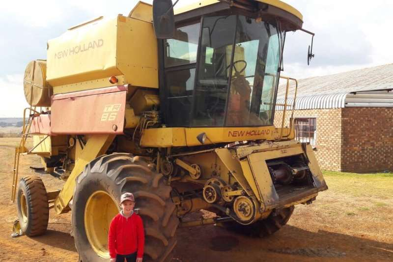 New Holland TR 86 Harvester Combine harvesters and harvesting equipment