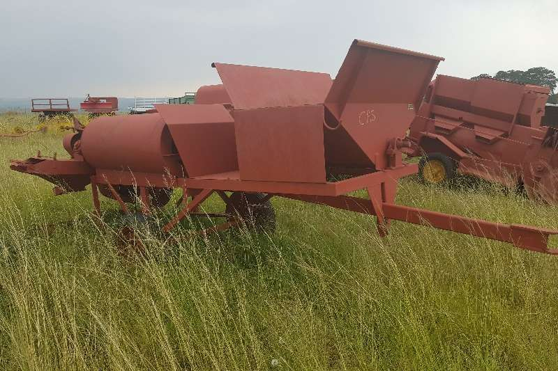 Threshers Agrico Bean Thresher / Boontjie Dorsmasjien Combine harvesters and harvesting equipment