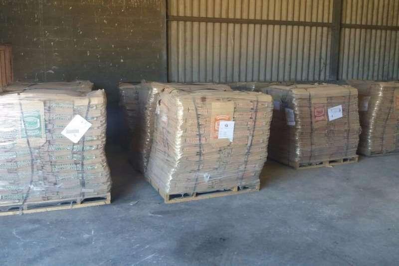 Aartappel Sakkies/Potato Bags Combines & harvesters