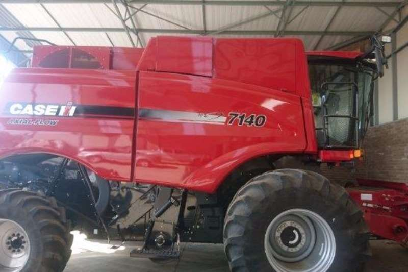 Case Other combine harvesters and harvesting equipment Case Axail Flow Combines & harvesters
