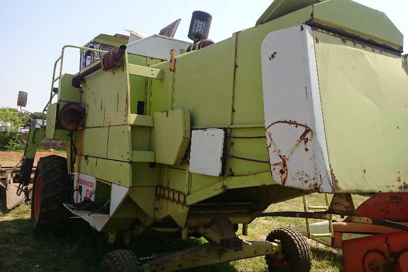 Claas Dominator 66 with 3 Beds Combines & harvesters
