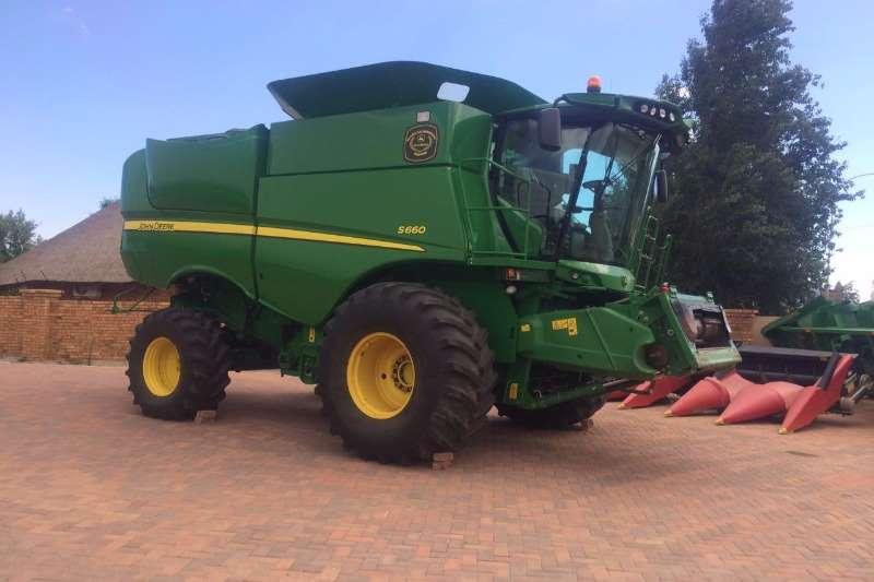 John Deere S 660 4x4 Combines & harvesters