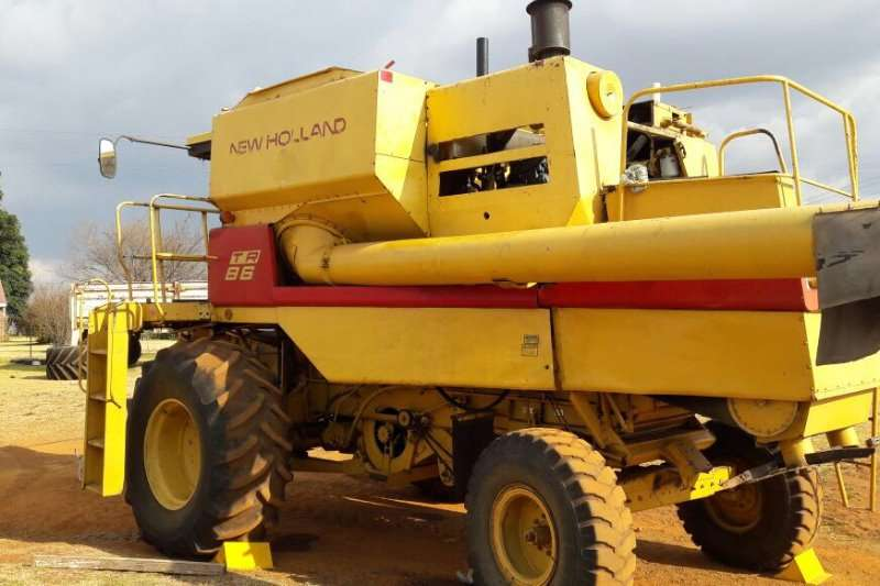 New Holland TR 86 Harvester Combines & harvesters