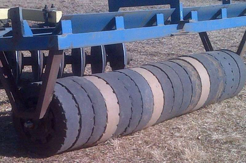 Rubber rollers Cultivator