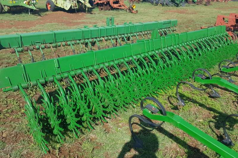 Field cultivators 4  ry rol tand eg Cultivators