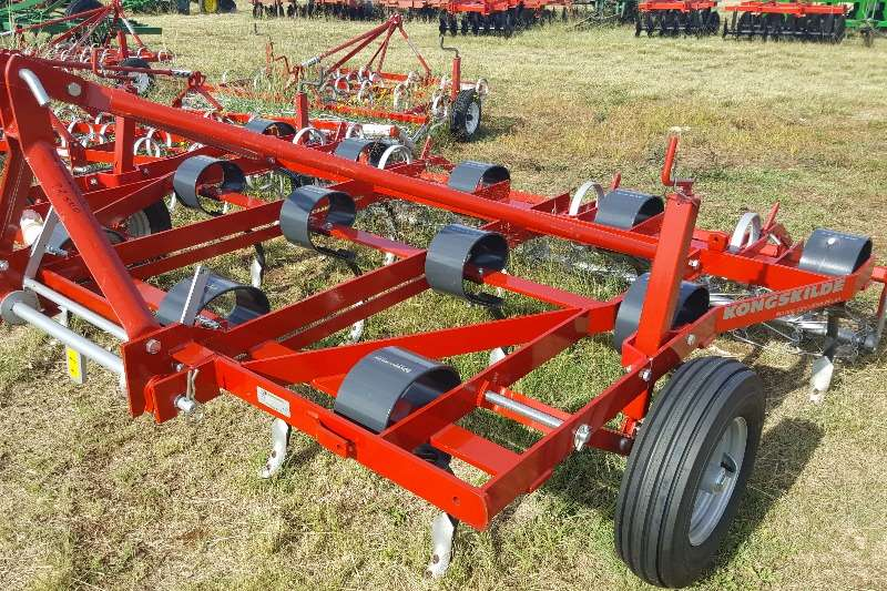 Field cultivators New & Used Kongskilde Vibroflex & Vibromaster /KKK Cultivators