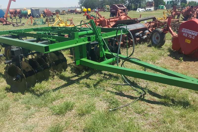 Harrows 28 disc tandem harrow Cultivators