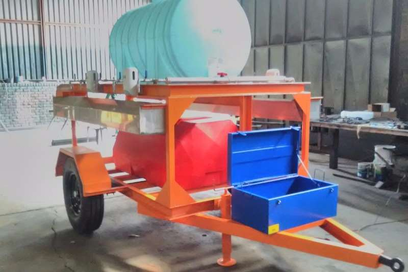 Mobile sanitary water bowser Farm trailers