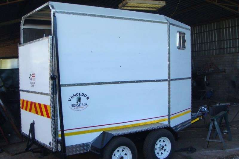 Vencedor Horsebox Farm trailers