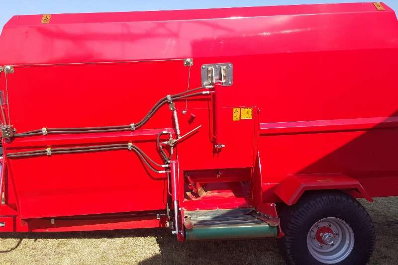ILGI ILGI DHFM - Double Horizontal Feed Mixer DHFM 12m Feed wagons