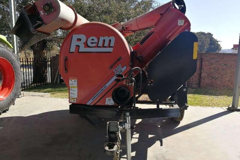 REM GRAINVAC Grain handling equipment
