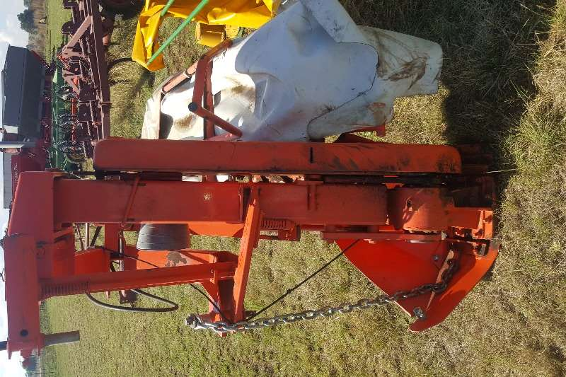 Disc mowers + 2014 Kuhn 5 disc mower / tol snyer Hay and forage