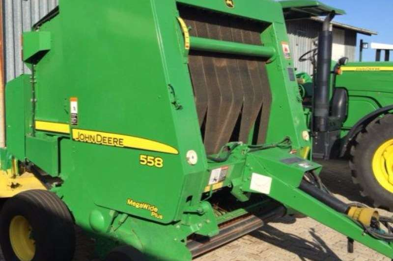 John Deere 558 Baler Hay and forage