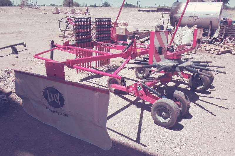 Lely LELY 485 P HIBISCUS HARK Hay and forage