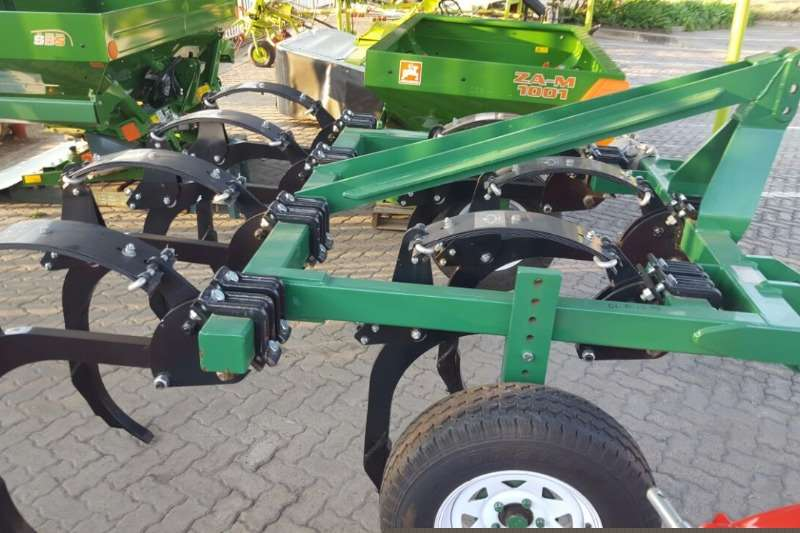 Other Rakes Rovic DLB 12 Chisel Plow Hay and forage