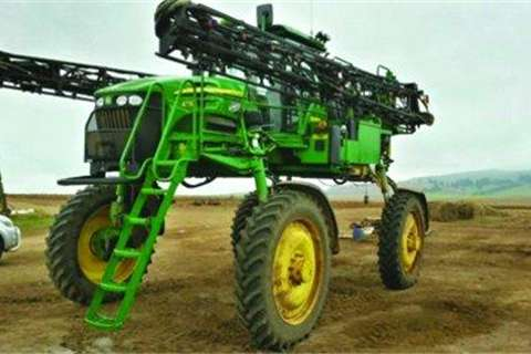 John Deere 4730 Sprayer-