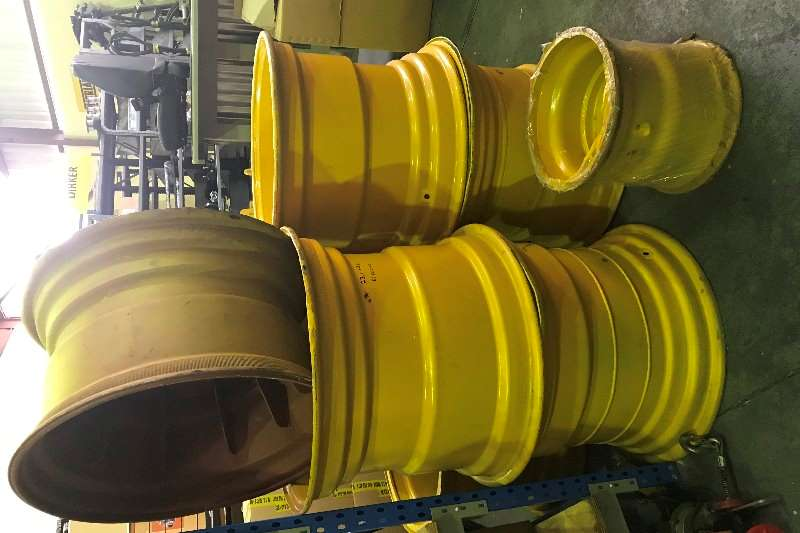 Bell Bell Logger Rims used 23.1x26 Machinery