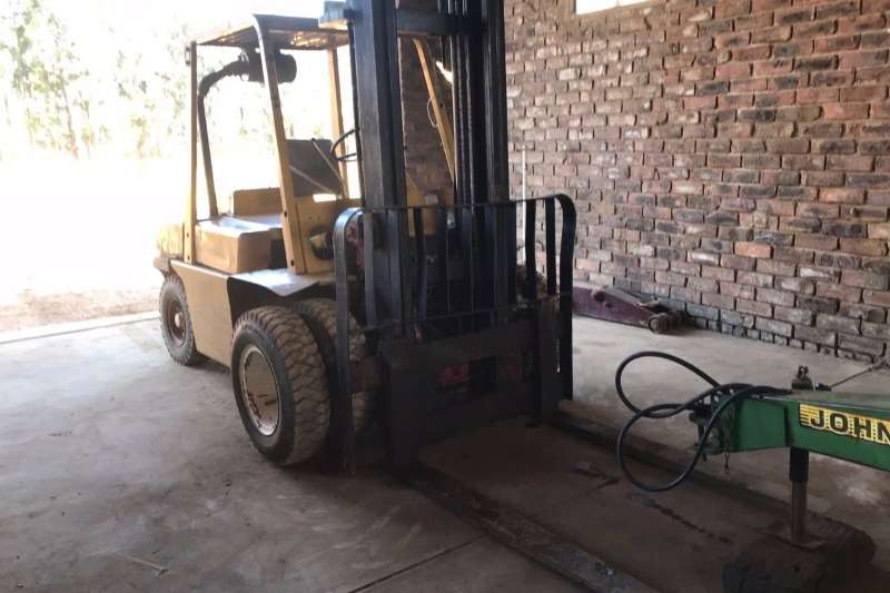 Machinery Nissan Forklift 0