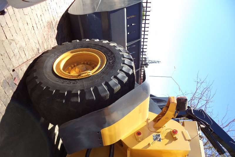 Volvo L120 E Front End Loader Machinery