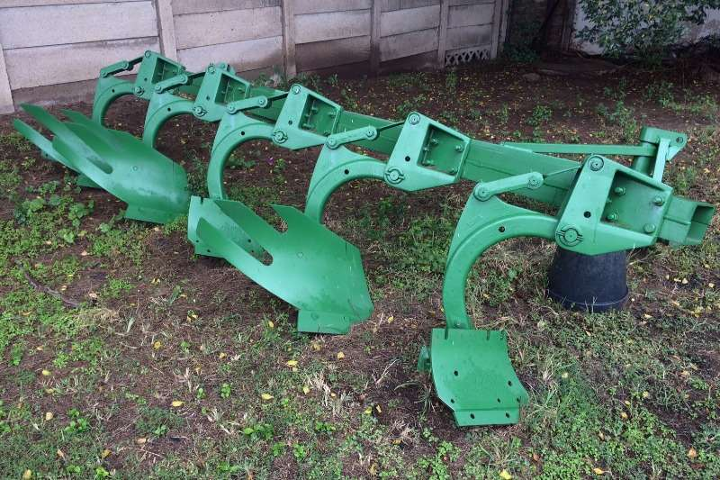 Other ploughs 1850N