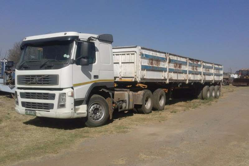 Volvo FM 12 6x2 With 3 Axel trailer Other