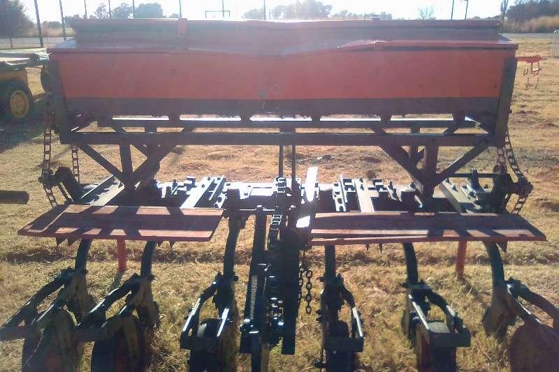6 Row Planter Maize Planters