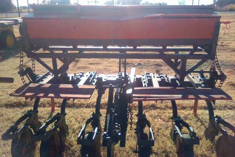 Planters 6 Row Planter Maize 0