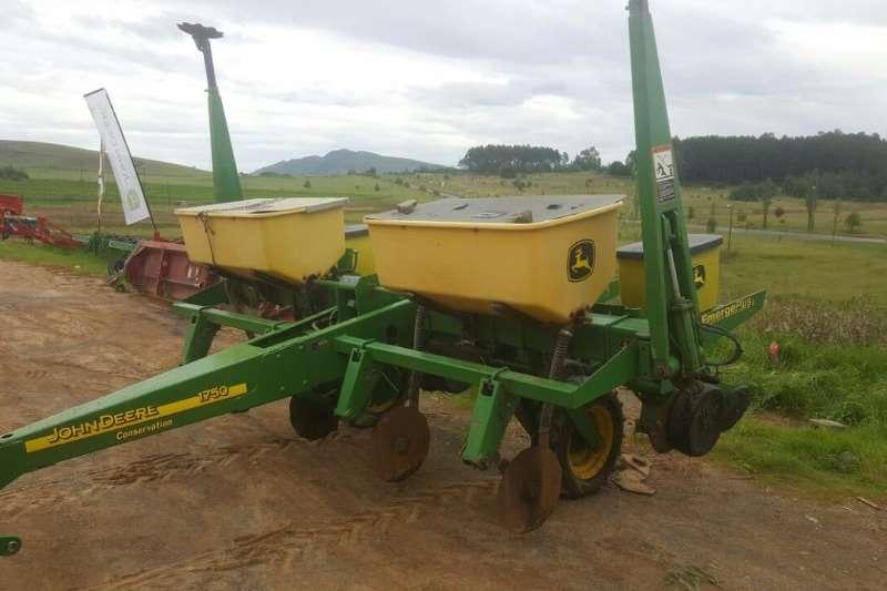 Planters John Deere 1750 4 ry Plateless Dry 0.9M 0