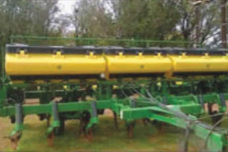 John Deere 2113 Planters