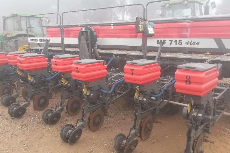 Massey Ferguson MF 715 H45 8 ry no till planter Planters