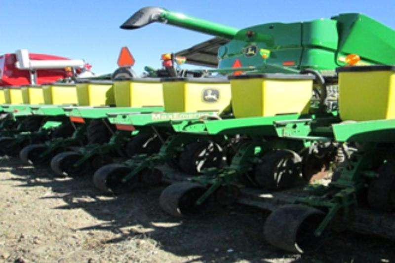 John Deere Other planting and seeding 1720 Stackfold 12 ry Planting and seeding