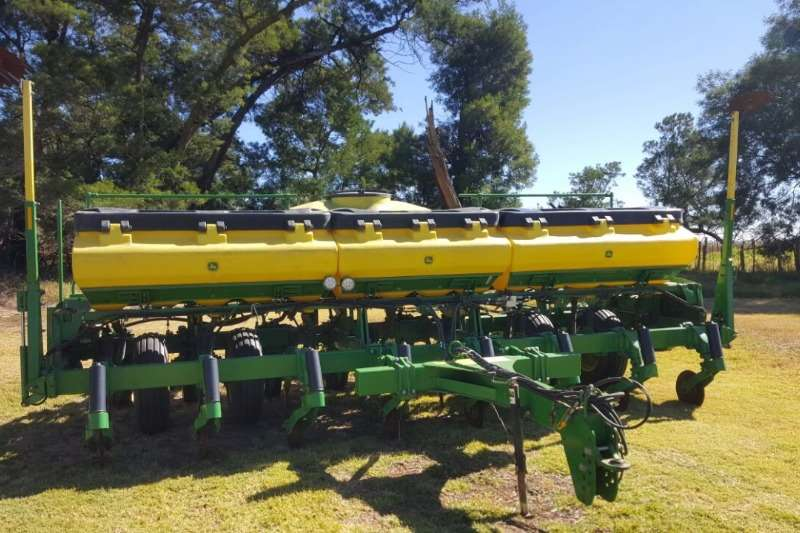 Planting and Seeding John Deere Other Planting and Seeding 8 ry non till 2013