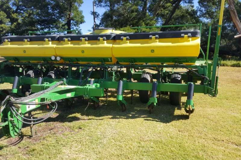 Planting and Seeding John Deere Other Planting and Seeding 8 ry non till 2014