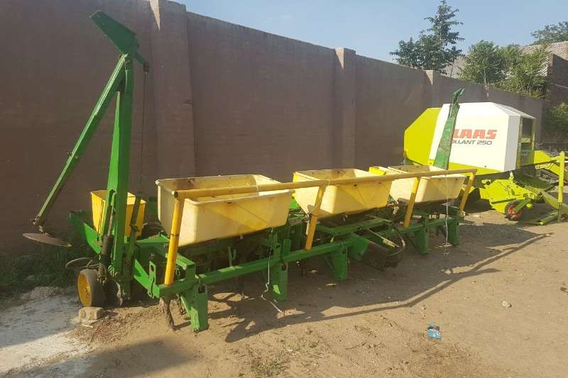 John Deere Row units John Deere 6 ry Planting and seeding