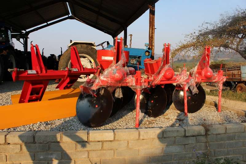 New disc ploughs 2,3,and 4 discs Plough