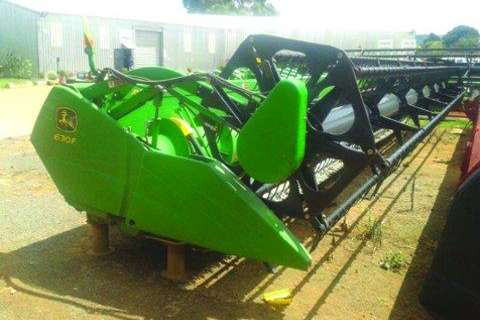 John Deere 630F Flexi Table- Ploughs, cultivators, discs
