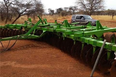 Ploughs, cultivators, discs Kverneland 10 meter agrico disc 2009