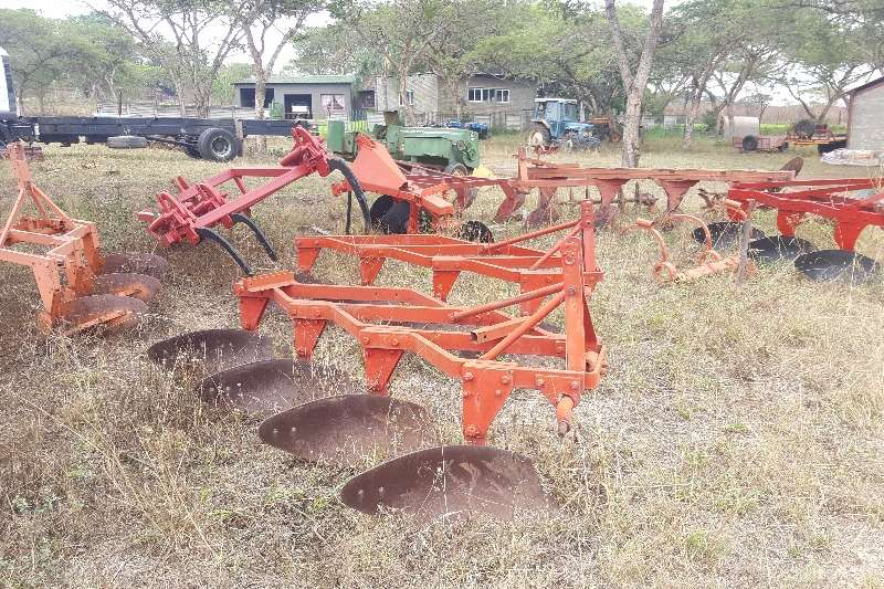 Other 2,3,4 furrow beam and frame ploughs Ploughs, cultivators, discs