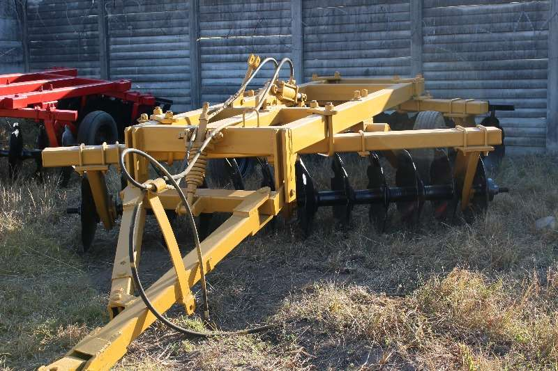 Ploughs, cultivators, discs Other 24 disc GC Tilage 0