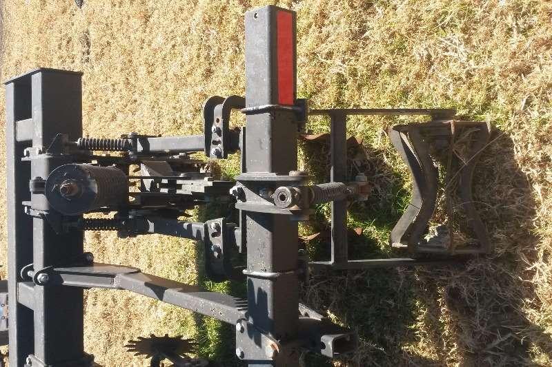 Other Remlinger 8 ry Striptiller Ploughs, cultivators, discs