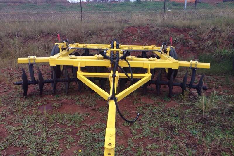 Ploughs, cultivators, discs Other Tandem Disc 0