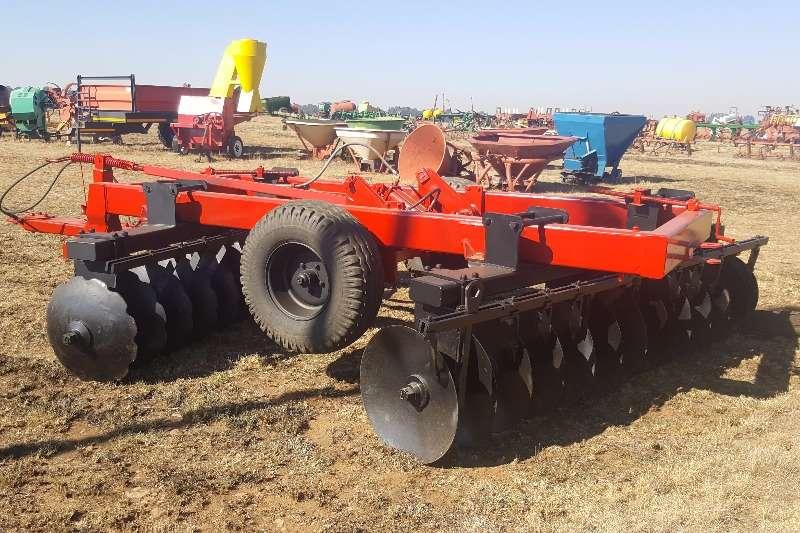 Disc harrows 24 Disc Agromaster Heavy Duty Disc Harrow Ploughs