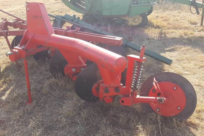 Disc ploughs New 2 disc Plough Ploughs